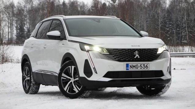 Koeajo: uudistettu Peugeot 3008 Hybrid omaa muutakin kuin tyylin ja töpselin