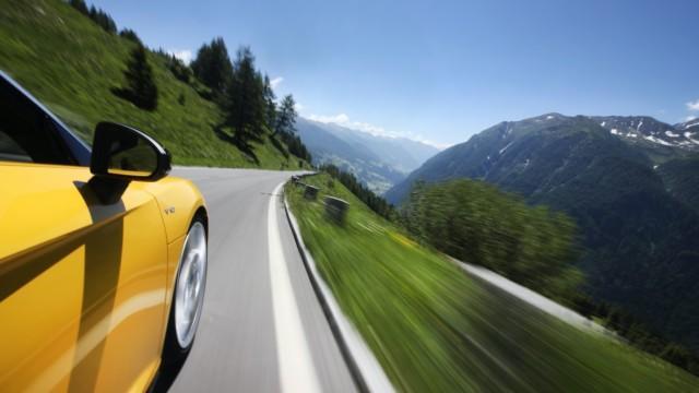 Grossglockner Itävalta avoauto matkailu