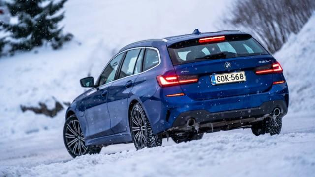 Koeajo: BMW 330e xDrive tarjoaa latausta nelivedolla