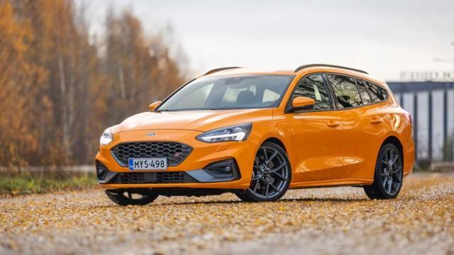 Koeajo: Ford Focus ST on automaattifarkku, mutta tuntuu urheiluautolta