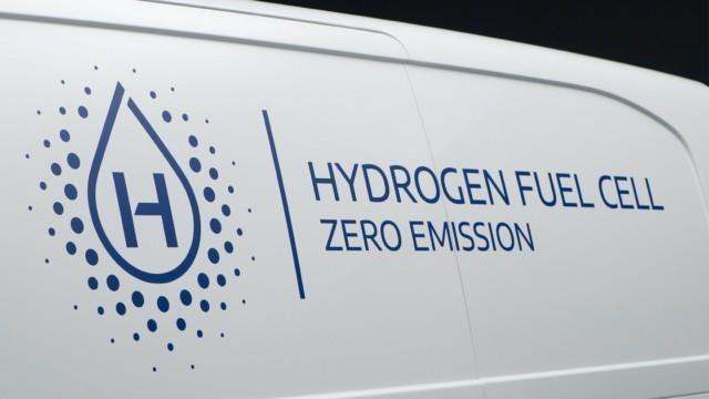Stellantis vety vetypolttokenno pakettiauto hyötyajoneuvo Opel Peugeot Citroën lataushybridi