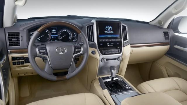 Toyota Land Cruiser 200 J200 V8