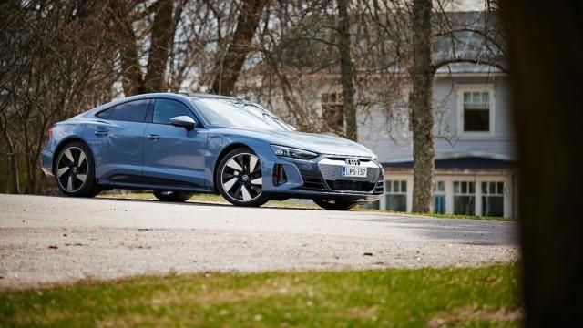 Audi e-tron GT Quattro – Kemora-harmaa metalliväri