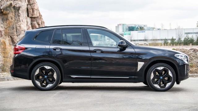 Koeajo: BMW iX3 – baijerilaisten toinen sähköauto on huomattavasti ensimmäistä tavallisempi