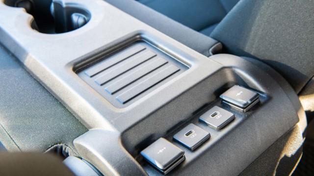 Land Rover Defender LCV
