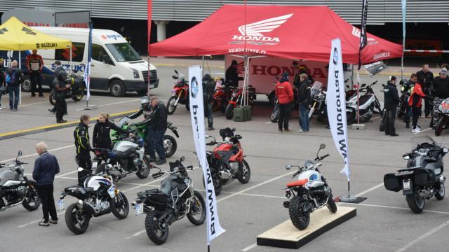 Moottoripyörien suuret koeajopäivät Moottoripyörien suuret koeajopäivät järjestetään 25. – 28.5.2021 Helsingissä, Jyväskylässä, Tampereella ja Turussa