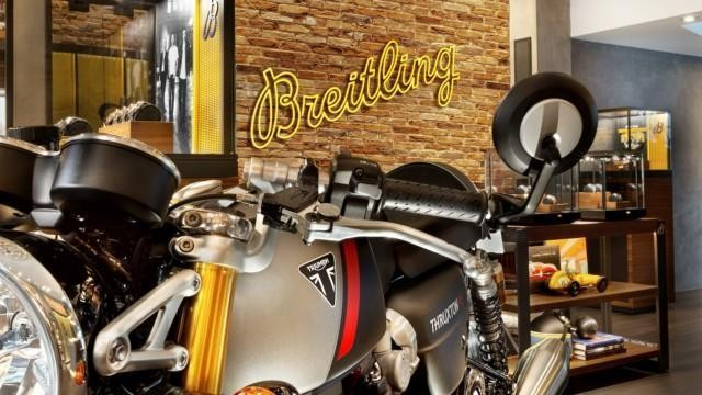 Breitlingin ja Triumphin Breitling Triumph erikoismalli