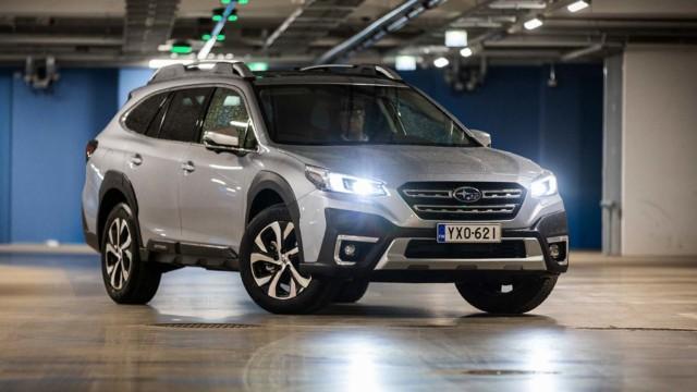 Koeajo: Subaru Outback – pystynäyttöö ja laakeeta peltoo