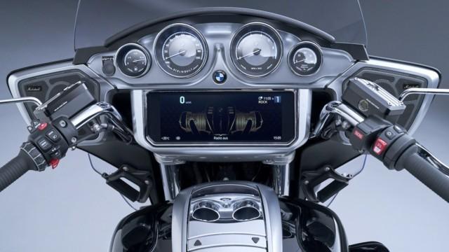 BMW R18 Bagger ja R18 Transcontinental