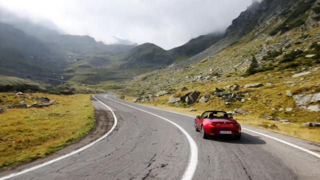 Transfagarasan Mazda MX-5 Romania road trip tie matkailu