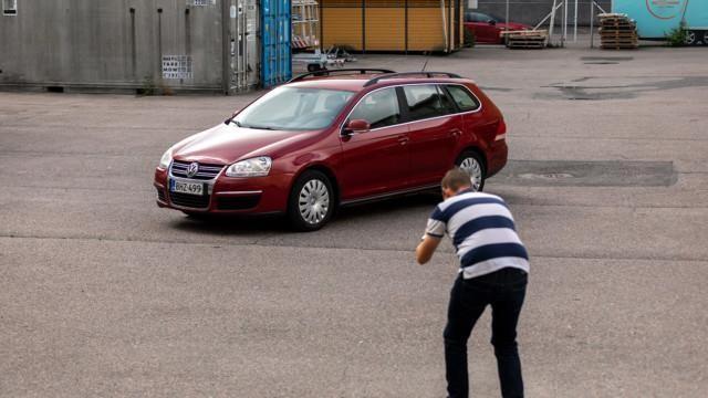 Auton myyminen myyntikuvat