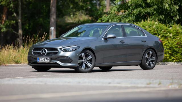 Koeajo: uusi Mercedes-Benz C 180 lipuu lippulaivan jäljillä
