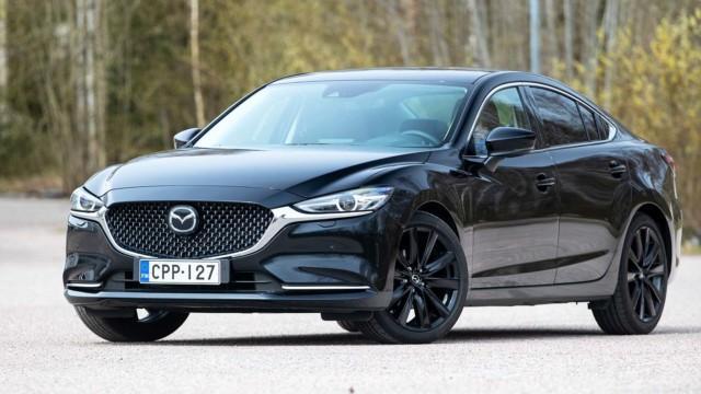 Koeajo: Mazda 6 sai mustan meikin ja burgundinpunaista nahkaa
