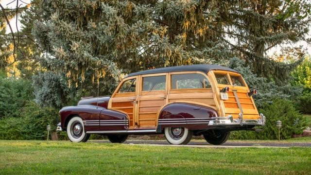 1946 Pontiac Streamliner Eight Deluxe Station Wagon – RM Sotheby's