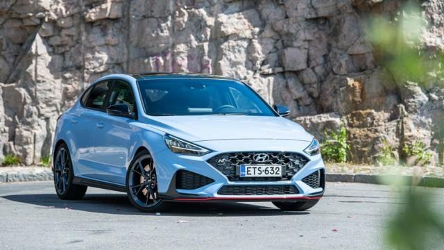 Koeajo: uusittu Hyundai i30 N vaihtaa itse ja paukkuu päälle