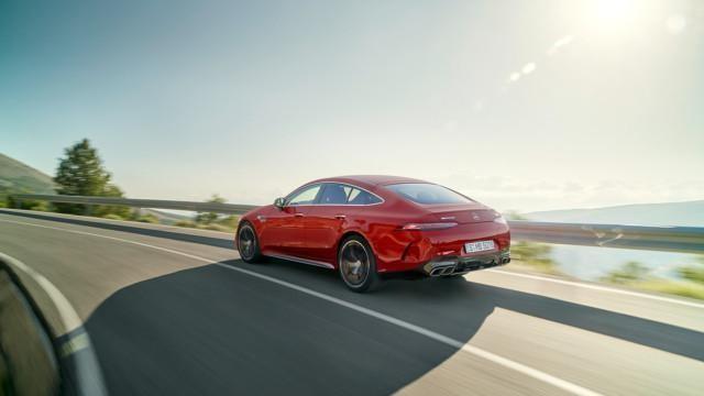 Nimihirviö: Mercedes-AMG GT63 S E Performance 4MATIC+ 4-ovinen Coupé