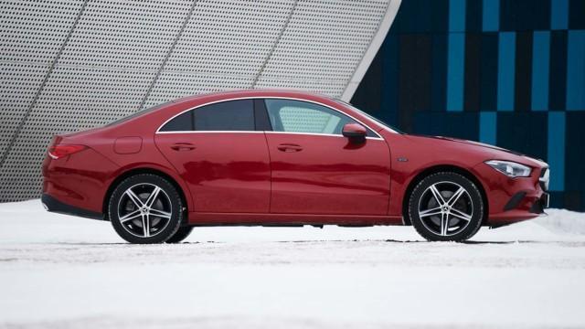 Koeajo: Mercedes-Benz CLA 250 e yhdistää lataushybridin pikalataukseen, mutta tällä on hintansa