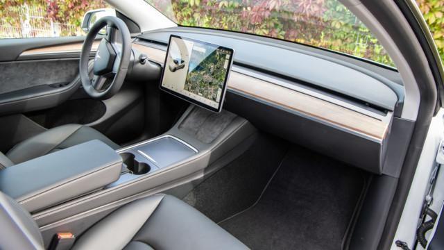 Tesla Model Y Long Range LR Dual Motor