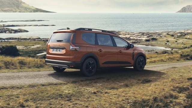 Dacia Jogger uusi Suomi Suomeen hybridi