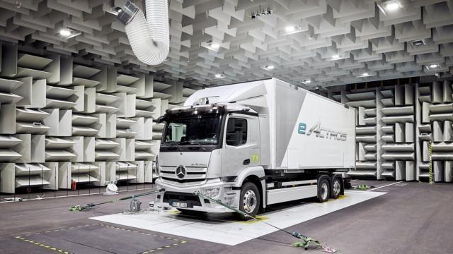 Mercedes-Benz Trucks – eActros
